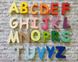 Ragasztható fa betű